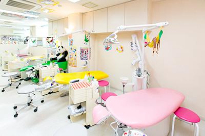 当クリニック矯正歯科・小児歯科専用の診療スペース